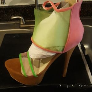Shoes - Size 11 5 inch Green Heels Never worn